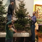 Ukrašavanje crkve za Božić 2013